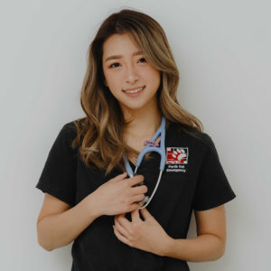 Perth Vet Emergency veterinarian Dr Denise Hong